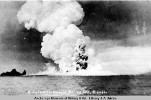 Podmorský výbuch na ostrove Bogoslof v roku 1910.