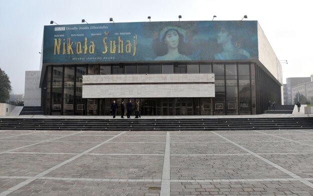 Budova divadla.