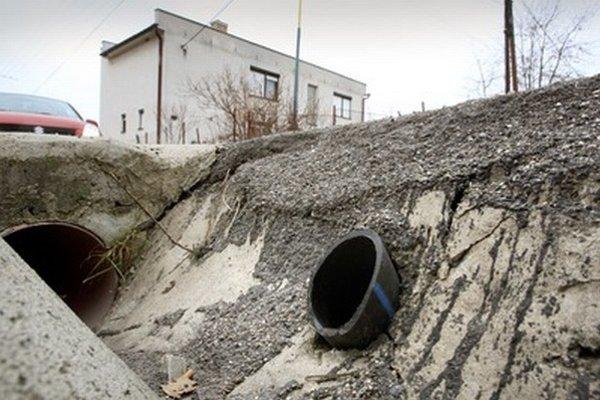 Nový vodovod v obci potrebujú.