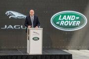 Prevádzkový riaditeľ Jaguar Land Rover Slovakia Russell Leslie.