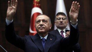 Erdogan útočí na Kurdov, ale poškodzuje aj vlastnú ekonomiku