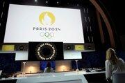 Na snímke logo na letné olympijské hry 2024 v Paríži počas ceremoniálu 21. októbra 2019 v Paríži.