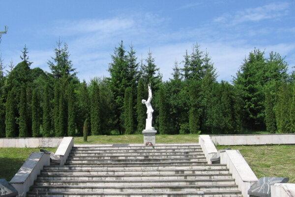Pamätník Oslobodenie v obci Kalinov.