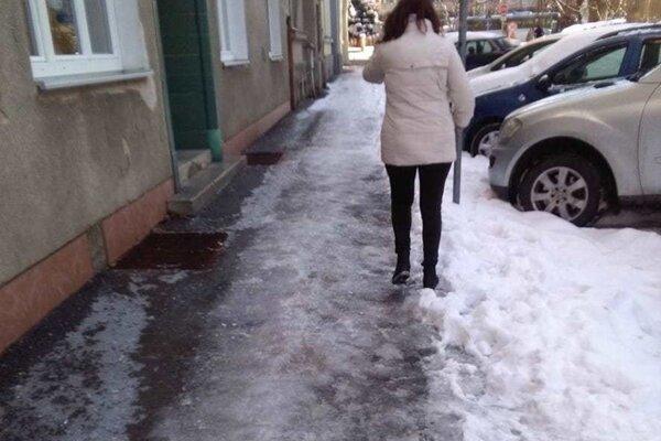 Ulice v Žiline počas zimy.