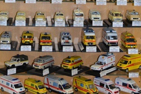 Zberateľ Stanislav Třetina má v zbierke 54 modelov sanitiek