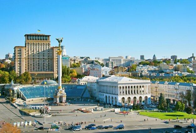 Slávny Majdan s Hotelom Ukrajina