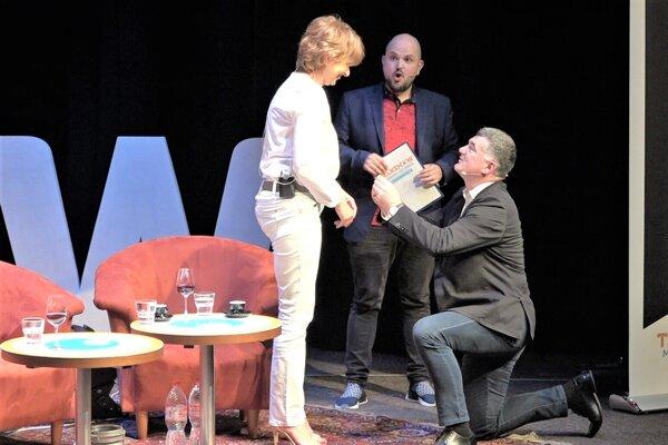 Moment, keď Alexander Nejedlý požiadal o ruku vtedy ešte Danicu Kleinovú.