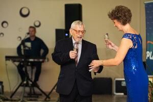 Ples Mochovčanov otvorila predsedníčka združenia Csilla Nagyová.