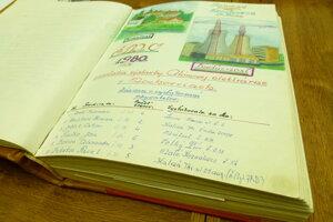 Pamätná kniha dediny Mochovce.