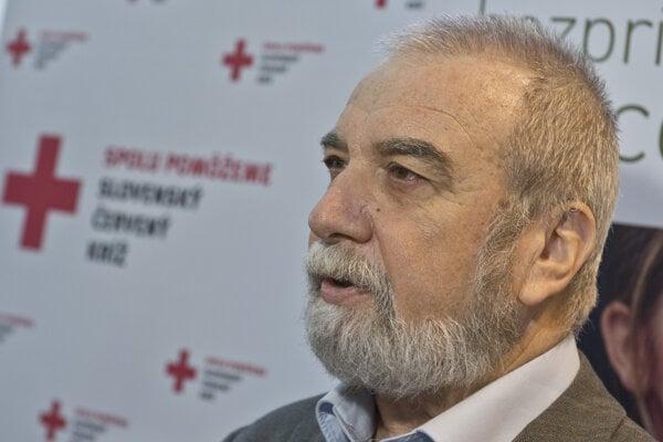 Záchranári sa z émócií zväčša vyrozprávajú, hovorí záchranár Viliam Dobiáš.