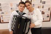 Marek Holinec s mamou Annou.