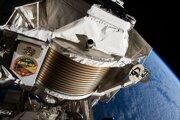 Záber na spektrometer, ktorý je súčasťou ISS.