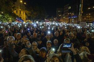 Protestné zhromaždenie Za slušné Slovensko na Námestí SNP v Bratislave.