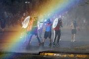 Protivládne protesty v čilskom Santiagu 15. novembra 2019.
