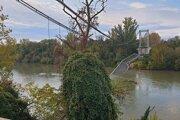 Zrútený most vo Francúzsku.