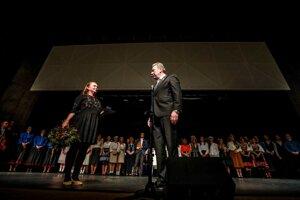 Pri príležitosti 40. výročia založenia udelil primátor Ján Blcháč predstaviteľom Folklórneho súboru Váh zlatú medailu a pamätný list za šírenie kultúry v meste Liptovský Mikuláš.