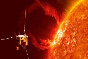 Vizualizácia sondy Solar Orbiter pri Slnku.