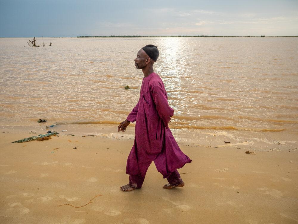 Amethovu dedinu pohltila rieka.