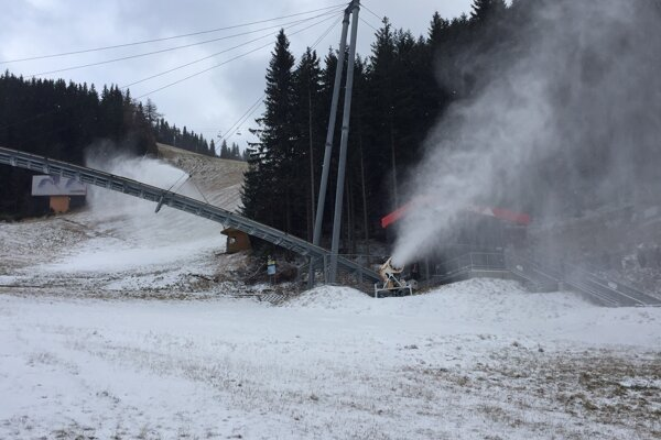 Snežné delá v Jasnej.