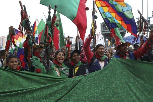Protesty v Kolumbii sa začali 21. novembra, 250-tisíc ľudí naprieč celou krajinou demonštrovalo proti reformám a slabému financovaniu školstva.