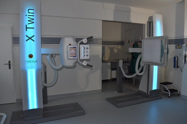 Nový röntgenový prístroj už slúži pacientom.