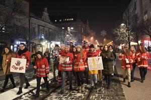 Sviečkový pochod v Košiciach zorganizovali študenti LF UPJŠ.