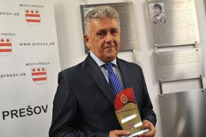 Jozef Bubenko počas zaradenia do Siene slávy prešovského športu.
