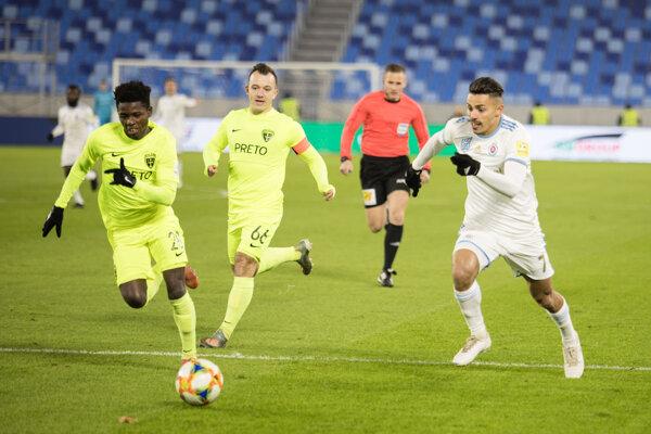 Momentka z pohárového zápasu medzi Žilinou a Slovanom.