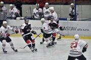 Pov. Bystrica (v bielom) hrala s Capitals Bratislava.