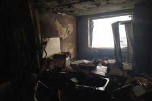 Zničený interiér vybuchnutej bytovky na Mukačevskej 7 v Prešove.