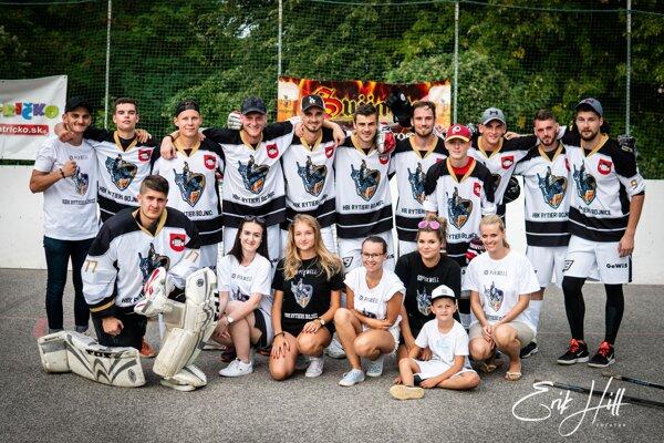 Bojnickí hokejbalisti.