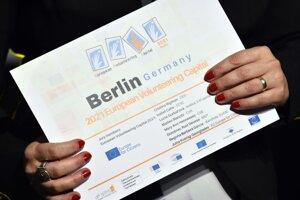 Na záverečnom ceremoniáli Európskeho hlavného mesta dobrovoľníctva v Košiciach prevzalo víťaznú štafetu na rok 2021 nemecké mesto Berlín.