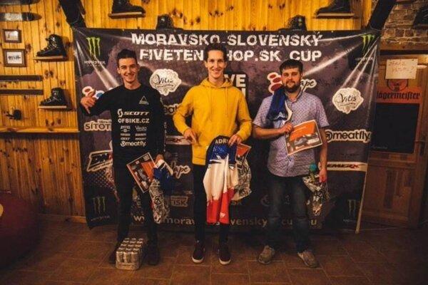 Daniel Vojtuš (vpravo) medzi troma najlepšími
