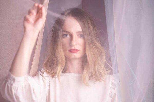 Katarína Máliková vydala svoje dva albumy vo vydavateľstve Slnko Records.