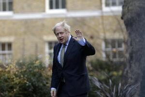Boris Johnson sa vracia na Downing Street. Stále ako premiér.