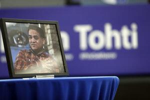 Fotografia väzneného ujgurského intelektuála a ľudskoprávneho aktivistu Ilhama Tohtiho na pôde Európskeho parlamentu.