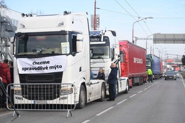 Štrajk Únie autodopravcov Slovenska (UNAS) v Bratislave 7. januára 2020.