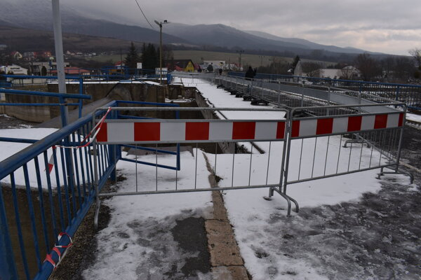 Na moste do Krivoštian sa na budúci týždeň začne pracovať.