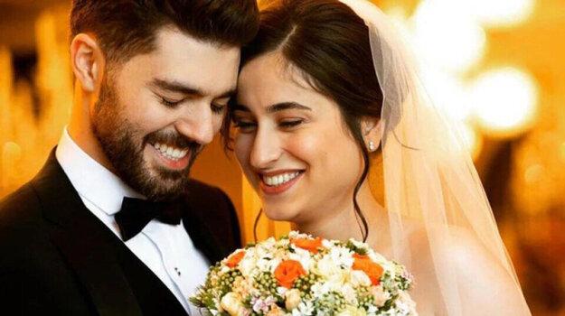 Čerství novomanželia chceli mať svadbu v krajine pôvodu. Návrat domov sa im stal osudným.