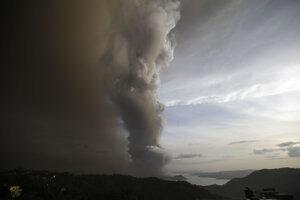 Sopka Taal je druhou najaktívnejšou sopkou na Filipínach.