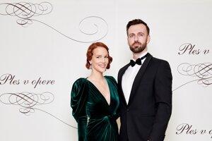 Radoslav Barka, riaditeľ obchodného úseku pre rezidenčných zákazníkov Orange Slovensko s manželkou Zuzanou