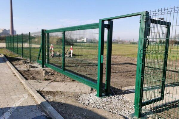 Mesto pracuje na zabezpečení športového areálu Slávia.