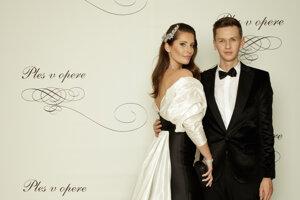 Michael Kováčik, módny návrhár, riaditeľ Miss Slovensko s Barborou Franekovou, modelkou