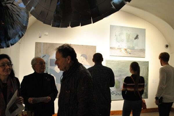 Výstava v Nitrianskej galérii zaujala staršie i mladšie ročníky.