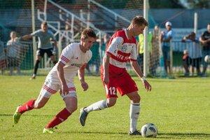Giraltovce sa aj na jar budú spoliehať na výpomoc hráčov z Košíc, ako v tomto prípade Jakuba Bavoľára (vpravo).