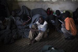 Utečenci v oblasti Abu Salim v Tripolise.