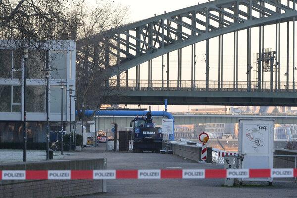 Evakuácia v Kolíne nad Rýnom.
