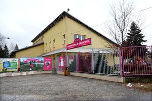 Športovo- zábavný areál na Alejovej ulici je miesto, kam mestská časť nasmeruje najviac peňazí.