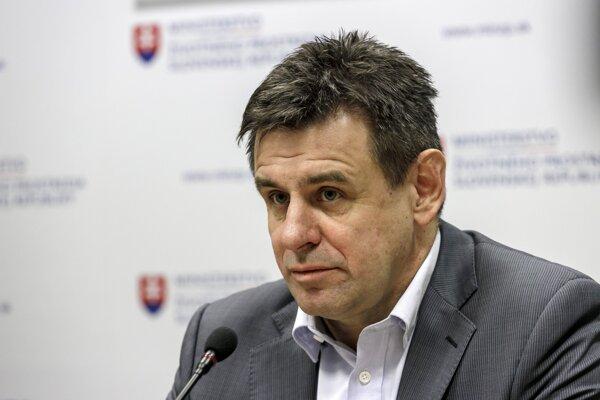 László Sólymos.