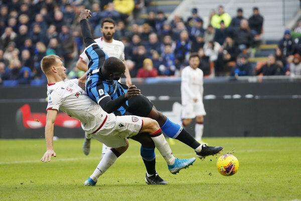 Zápas Cagliari - Inter Miláno.